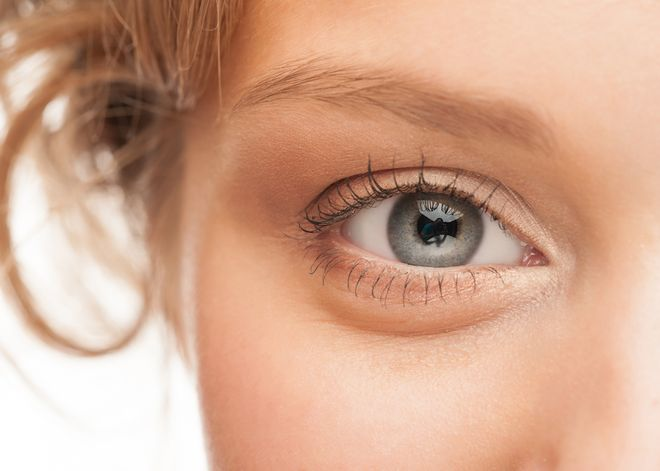 what causes puffy eyes to happen
